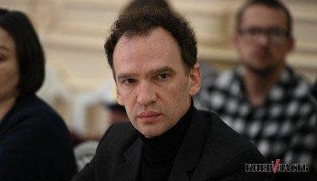 Начальник Управления по вопросам рекламы КГГА Александр Смирнов в прошлом году содержал семью на одну зарплату
