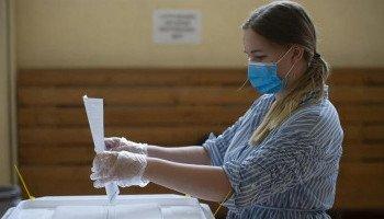 Київ забезпечив виборчі дільниці усім необхідним для голосування під час карантину та закликає киян дотримуватися протиепідемічних заходів