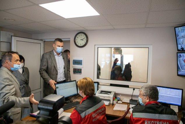 Віталій Кличко показав, як оновили відділення швидкої допомоги в Святошинському районі (фото, відео)