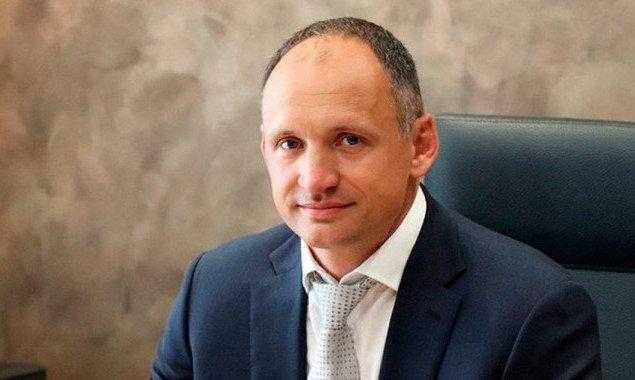 Сразу после назначения Татарова заместителем главы Офиса президента фирма его тестя получила от Киевсовета землю под строительство