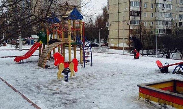 К концу 2020 года в Киеве должны были установить 23 детские площадки (адреса)