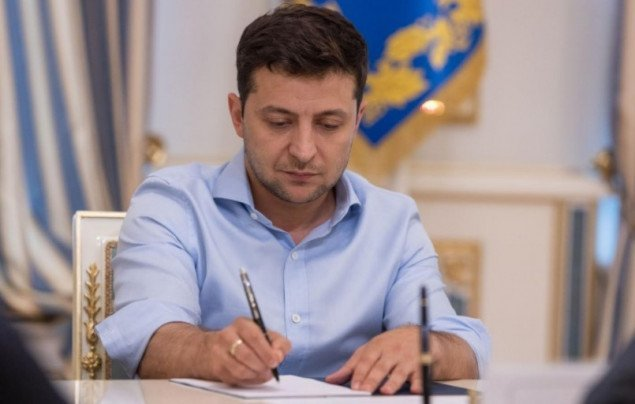 Зеленский подписал закон о снижении НДС для аграриев
