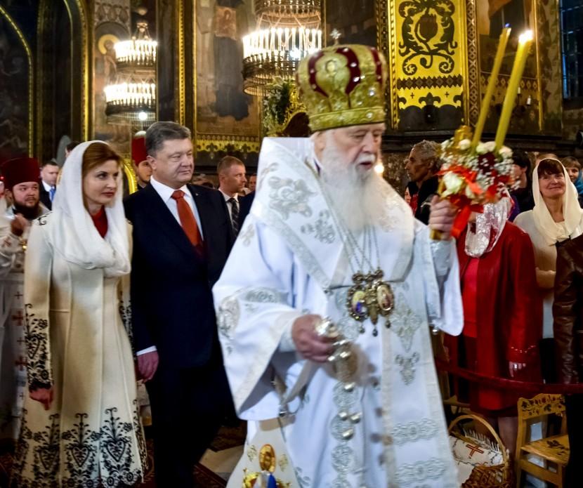 Социологические опросы показывают, что все большее количество православных граждан Украины хотят иметь единую поместную автокефальную Церковь, - Порошенко - Цензор.НЕТ 4760