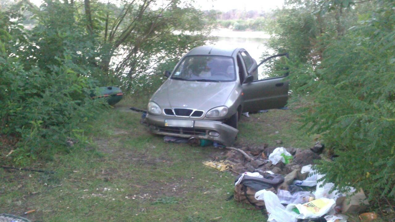 Смертельное ДТП вКиевской области: женщина раздавила машиной товарища