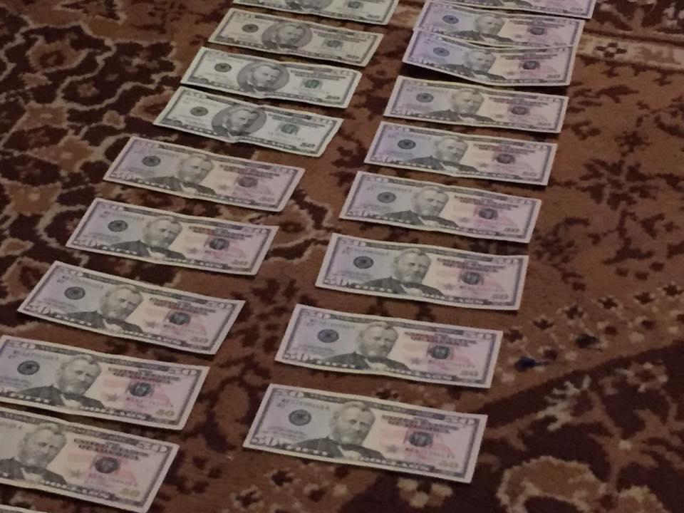 Работник столичного главка полиции попался на взятке 3,5 тыс. долларов