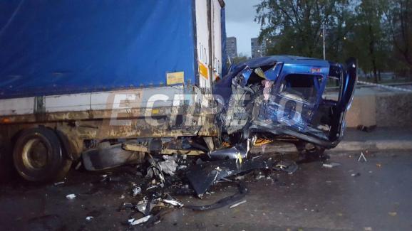 ВКиеве случилось жуткое ДТП стремя авто: появились фото